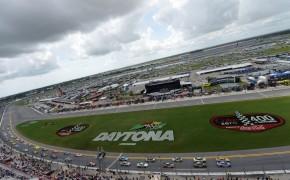 USP NASCAR: COKE ZERO 400 S CAR USA FL