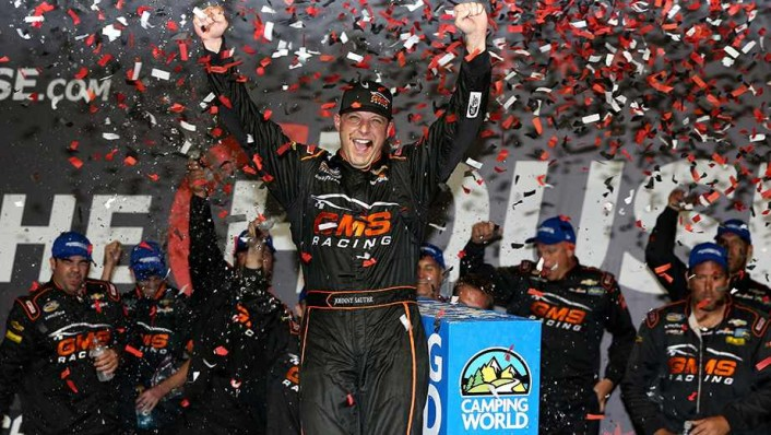johnny-sauter-chicagoland-victory-lane