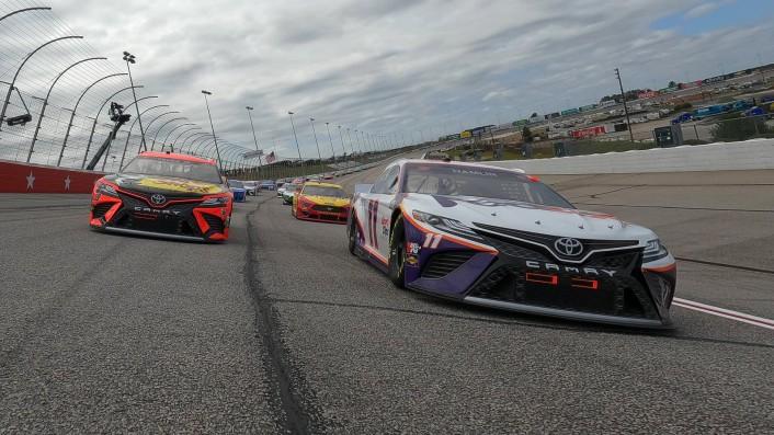 NASCAR Cup Series Folds of Honor QuikTrip 500 Hamlin